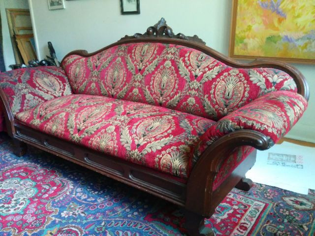 Victorian settee | couches, futons | Kingston | Kijiji