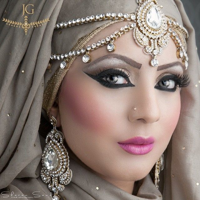 Stunning look by @aishanazirmua .. beautiful hijab jewels by @jewels_gems. Limited pieces only, headpiece and earrings set. Please email us info@jewelngem to buy x #Padgram