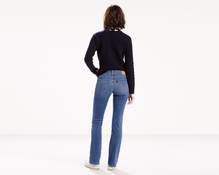 Jeans per un look strabiliante, con avanzato denim stretch che consente ai jeans di mantenere la loro forma. I jeans 715 Bootcut presentano una vestibilità che allunga le gambe. La svasatura sotto il ginocchio slancia la silhouette. Per aumentare l'effetto, indossa scarpe con tacco in modo che l'orlo arrivi poco al di sopra. Arrotolali per un ritorno al passato e uno stile sorprendentemente versatile.
