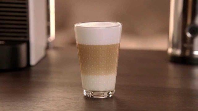 Latté s hustou penou si pripravíte aj doma: Kávovar nepotrebujete, stačia tieto dve veci | Casprezeny.sk