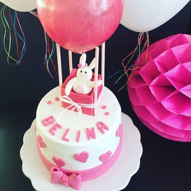 Eine Heissluftballon Torte Zur Geburt Eines Kleinen Mädchen. Mit Dieser  Torte Wurde Die Kleine Belina
