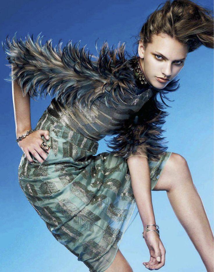 Vogue Taiwan July 2014 | Maggie Jablonski by Leslie Kee