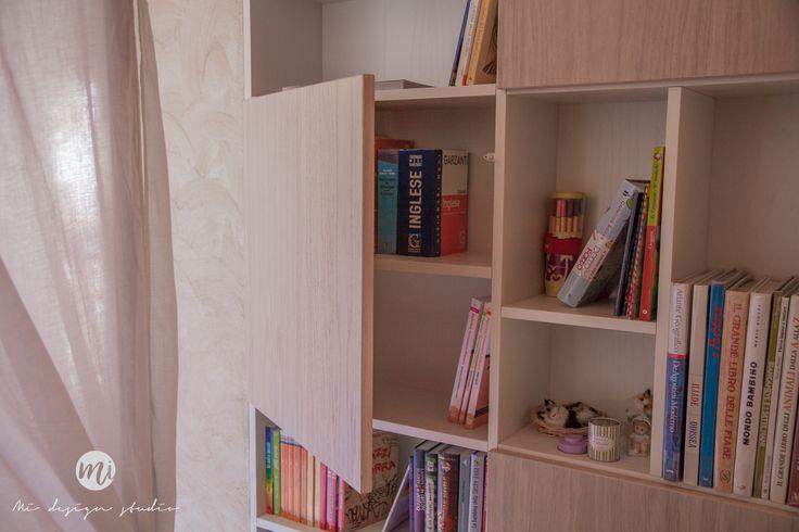 Girly white bedroom design Studio, beauty corner http://www.mistudiodesign.com/portfolio/girly-white-bedroom/