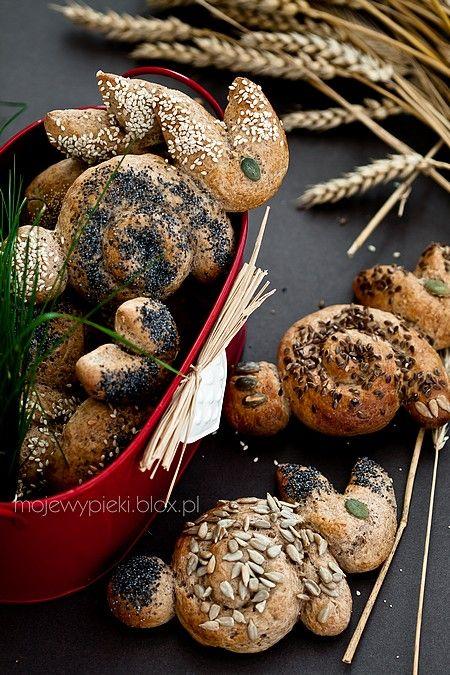Wielkanocne bułeczki - zajączki z mąki żytniej i orkiszowej