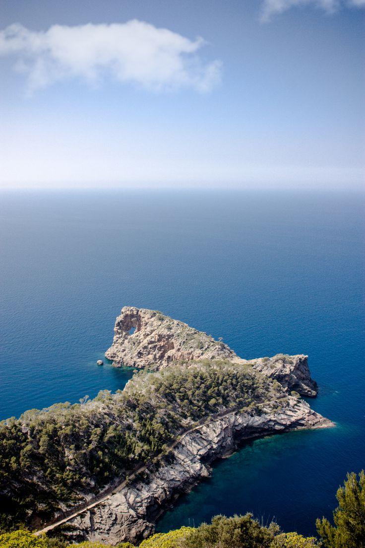 Sa Foradada - Deia - Mallorca - Spain (by Andrés Nieto Porras)