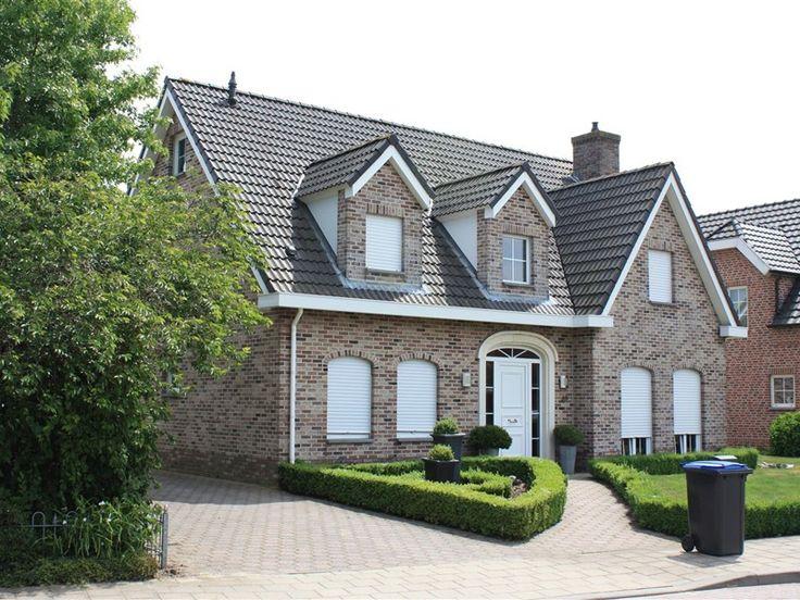 Баварская кладка: поэтапное выполнение и 75 элегантно выполненных фасадов домов http://happymodern.ru/bavarskaja-kladka-foto-domov/ От качества отделочного кирпича будет зависеть внешний вид вашего жилища