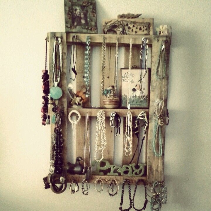 Pallet shelves and jewelry display