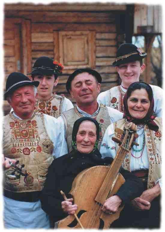 Csangó people from Gyimes/Gyimesi csángók:))
