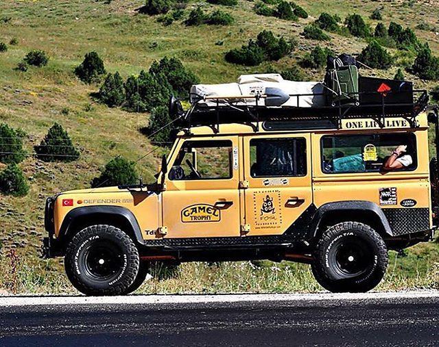 Land Rover Defender 110 Camel Trophy
