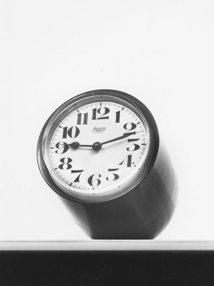 Static clock by Richard Sapper. http://richardsapperdesign.com/products/1950-1970/static