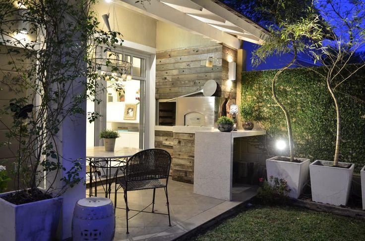 Procura ideias para o seu jardim ou terraço? Confira mais https://www.homify.com.br/livros_de_ideias/2725611/