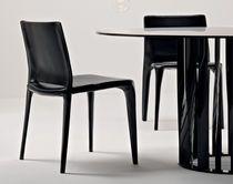 Silla de cuero moderna de Mario Bellini