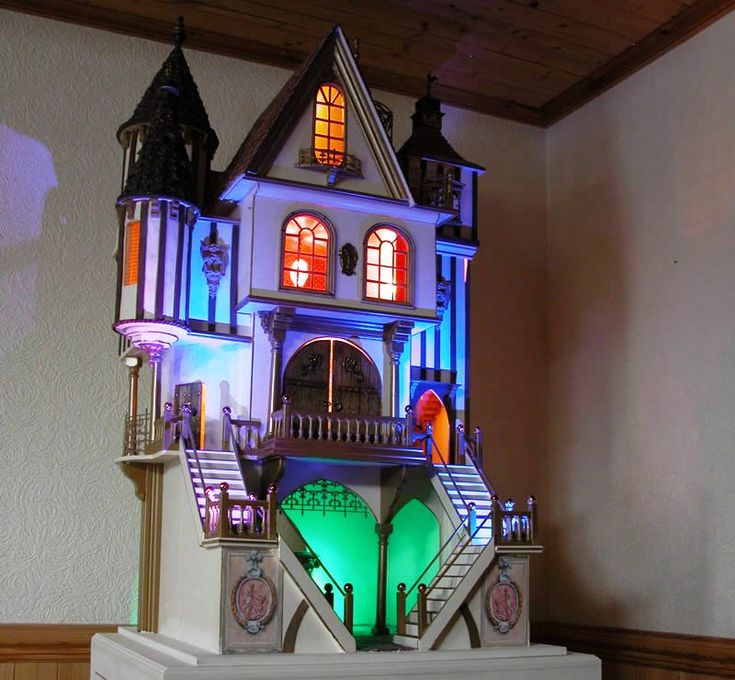 1000 images about dollhouse castle on pinterest the for Storybookhomes com