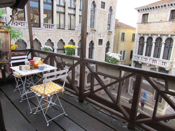 Échale un vistazo a este increíble alojamiento de Airbnb: Casa Lucia, with roof terrace - Casas en alquiler en Venecia