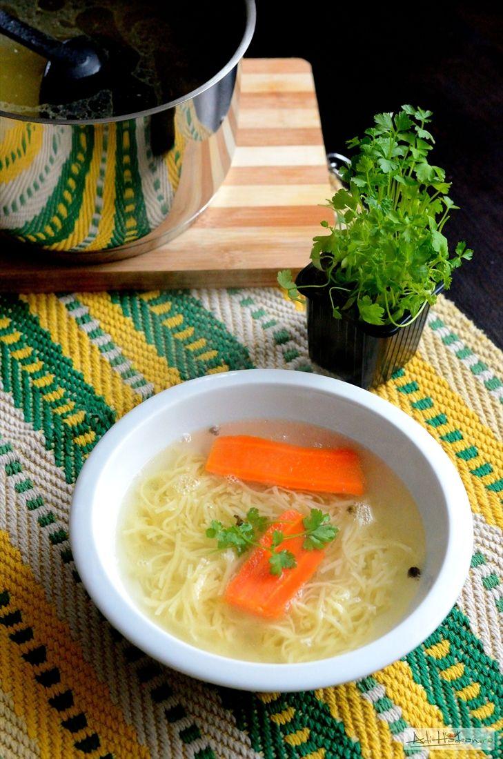 Supa de curcan casă, perfect pentru supă. Mi l-a dat congelat, eu am plecat de acasă înainte să-l scot din congelator, între timp mi s-a făcut dor