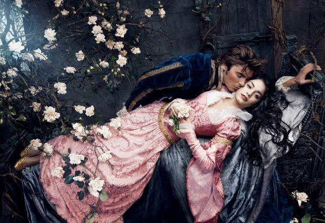 Os atores Vanessa Hudgens e Zac Efron  como Princesa Aurora e Príncipe Phillip pelas lentes da fotógrafa Annie Leibovitz. #fairytales