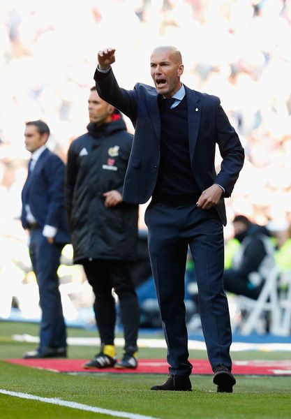 Zinedine Zidane, Manager of Real Madrid gives his team instructions during the La Liga match between Real Madrid and Barcelona at Estadio Santiago Bernabeu on December 23, 2017 in Madrid, Spain.