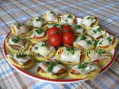 Bramborové placičky zapečené se sýrem