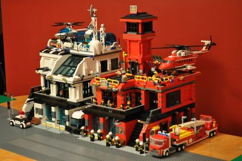 Cybercity s fire station v-2: A LEGO® creation by cyberfrank 2010 : MOCpages.com