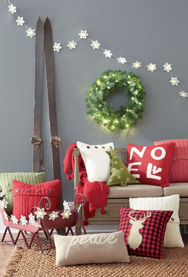 Nothing Better Than A Comfy Pillow On The Couch Plus Holiday Pillows Are An Instant And Easy Way To Make Room Look Festive For Season