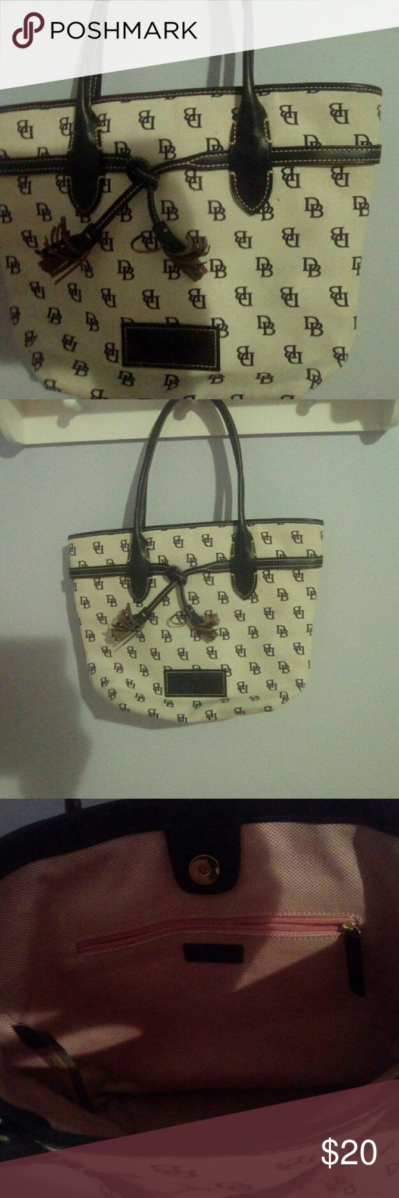 Dooney and Bourke hand bag Navy and cream purse Dooney & Bourke Bags Totes