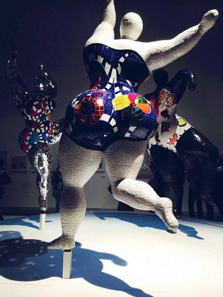 "Des ""Nanas"" de Niki de Saint Phalle."