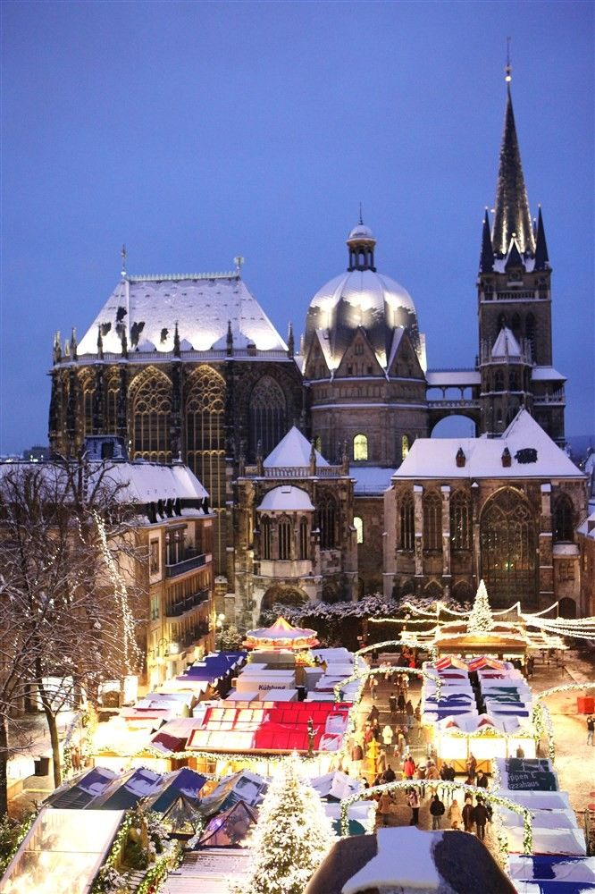Aachen Christmas Market - Copyright Aachen Tourist Board More on @ebdestinations