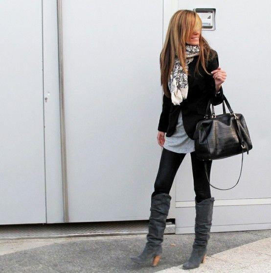 scarf + black blazer + oversized, comfy gray tee. SOOOO MY STYLE!!