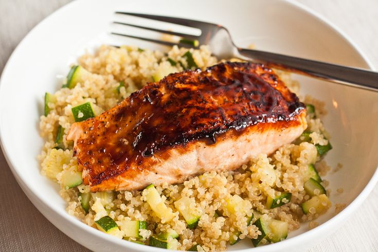 Great Salmon recipe. Works great with broiler as well.: Zucchini Quinoa, Food Recipes, Fish Seafood, Grilled Salmon, Salmon Quinoa, Zucchini Recipes, Hoisin Salmon, Salmon Recipes, Quinoa Zucchini