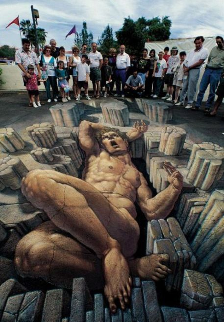 Nefes Kesen 3D Sokak Sanatı Resimleri - Sokak boyama sanatının bu yeni formu tüm dünyada önem kazanmaktadır. Genellikle 3d tebeşir sanatı olarak da bilinen 3d Sokak Sanatı, size belli bir perspektiften 3 boyutlu optik illüzyon verir. Sanatçıların nefes kesen 3D sokak resimleri;