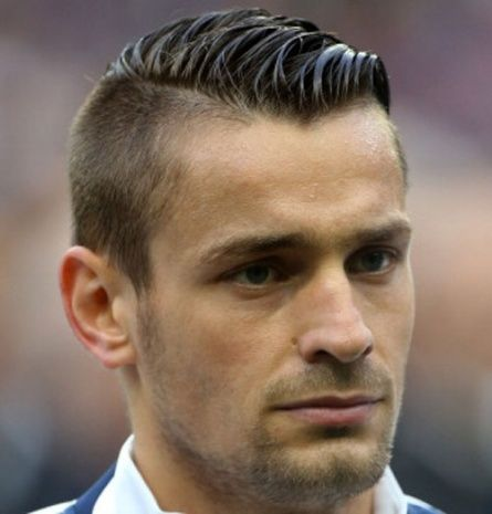 gorgeous soccer hairstyles