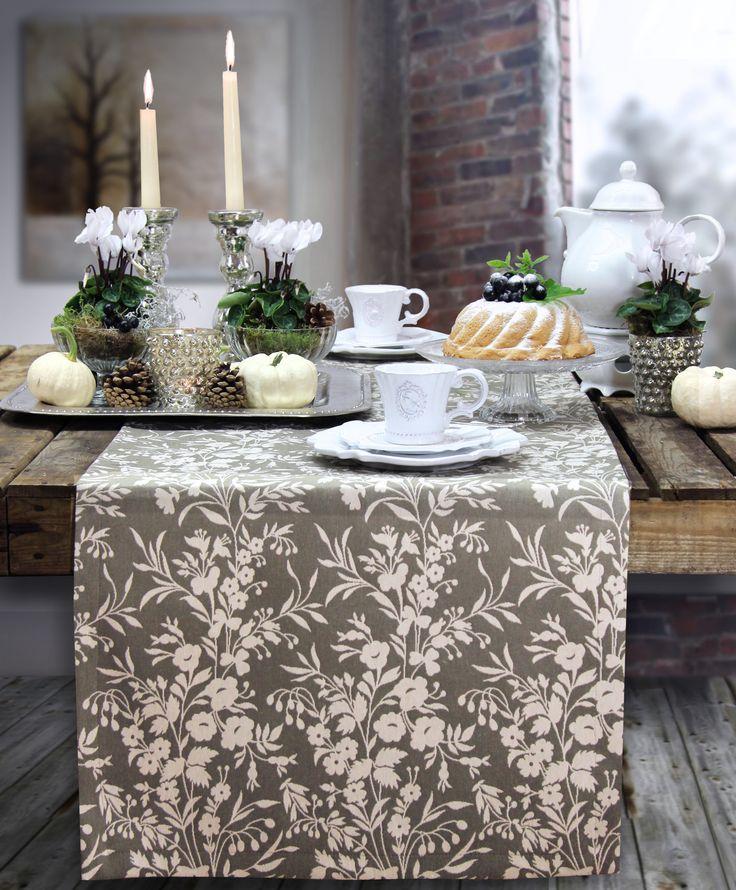 Herbstlch dekorierter tisch tischl ufer country side von for Tisch outlet