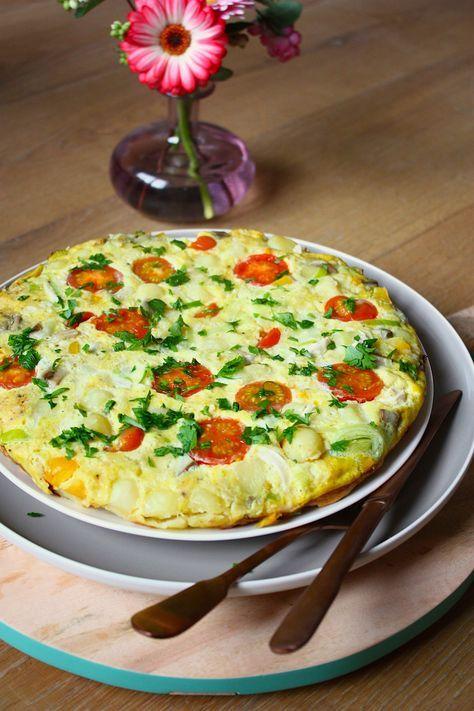 Recept frittata - Ik begin de week het liefst niet al te ingewikkeld. En daar is deze makkelijke maandag frittata natuurlijk ook voor bedoeld ;-) http://www.francescakookt.nl/makkelijke-maandag-frittata/