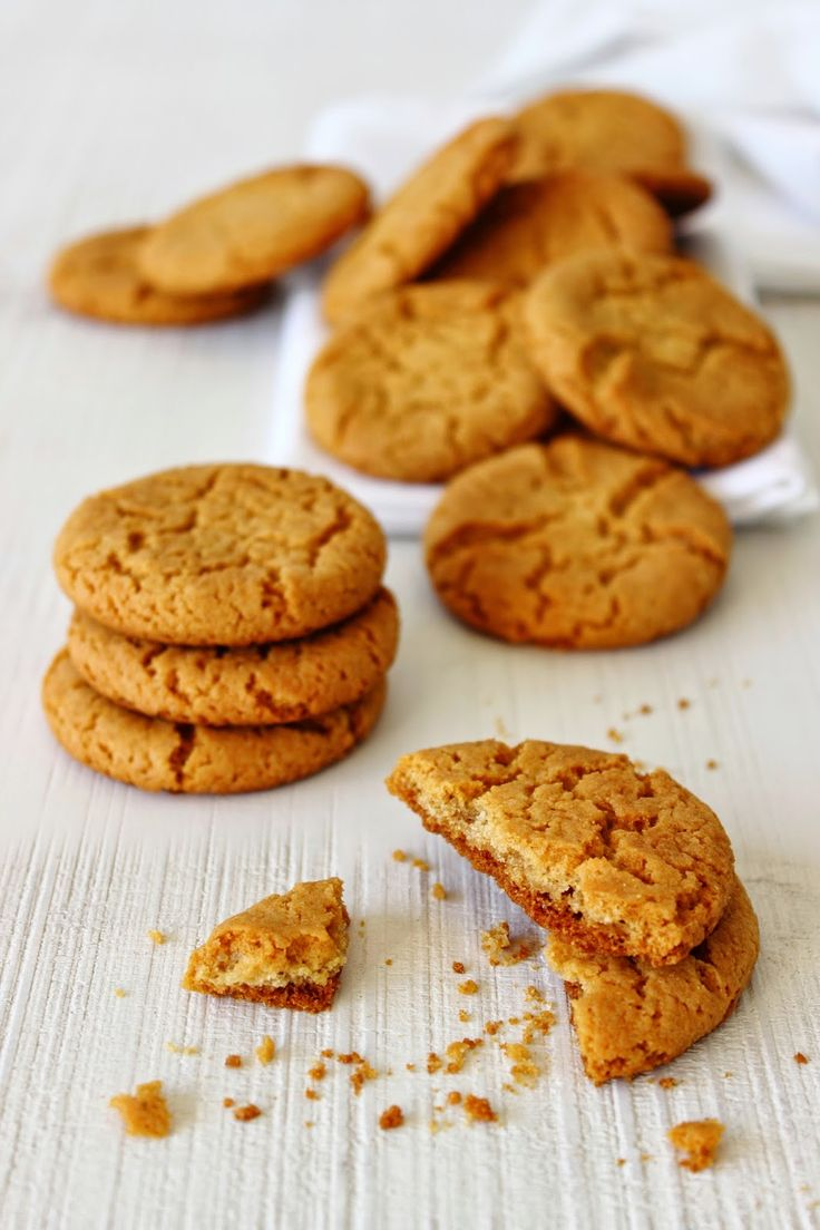 Zoet & Verleidelijk: Knapperige gemberkoekjes. My own bake nearby this pin.( ginger cookies)