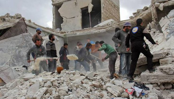Serangan udara menggempur rumah sakit anak dan bank darah di Aleppo  ALEPPO (Arrahmah.com) - Jet tempur dan helikopter membombardir Aleppo timur dan menargetkan rumah sakit anak-anak serta bank darah pada Rabu (16/11/2016) saat petugas medis dan pasien berlindung di ruang bawah tanah menunggu serangan yang panjang segera berakhir.  Supir ambulans dan sedikitnya dua anak termasuk di antara korban tewas yang mencapai 20 orang dan 47 lainnya dilaporkan terluka lansir Zaman Alwasl.  Pemboman…