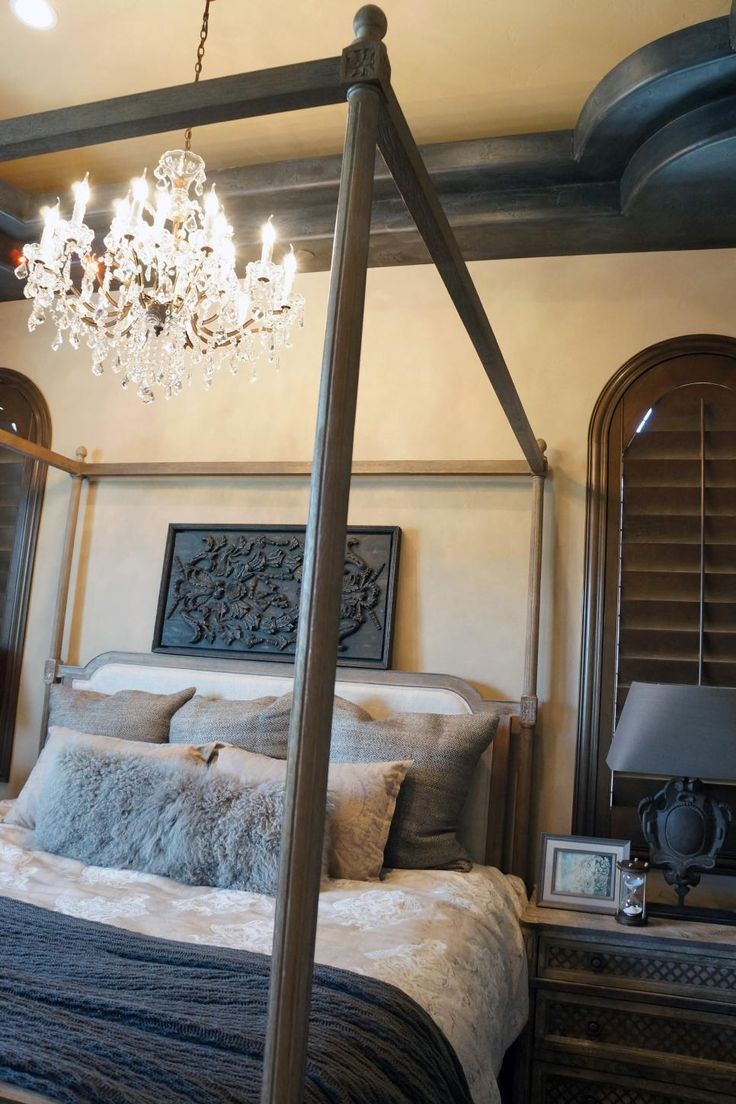 Beautiful Four Poster Bed and Chandelier
