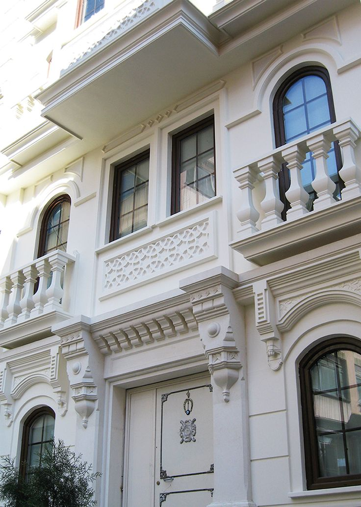 Niles Hotel, Sultanahmet, Istanbul. UYSM fiberglass exterior decoration. Manufactured and implemented by UYSM.