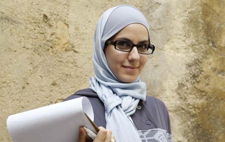 Samah Safi Beyazid, interview with the first professional hijab filmmaker at #mosaic #muslimwomen #film #inspirationseries