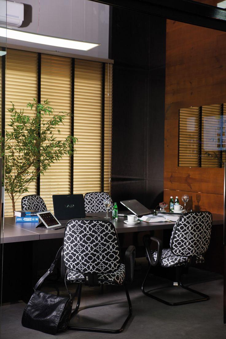 Una sala de reuniones no tiene por que ser aburrida con Acqua Block Segments, en Naya Preto ABS-