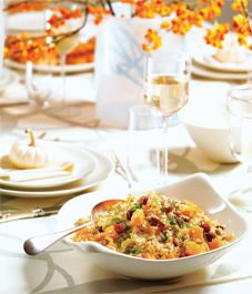 Cranberry Pecan Quinoa Pilaf.  This flavourful quinoa is the perfect side dish option to serve this Thanksgiving.