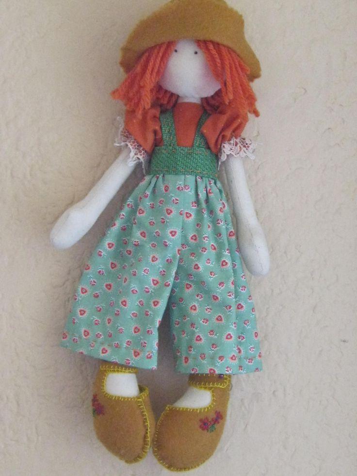 Muñeca colorina