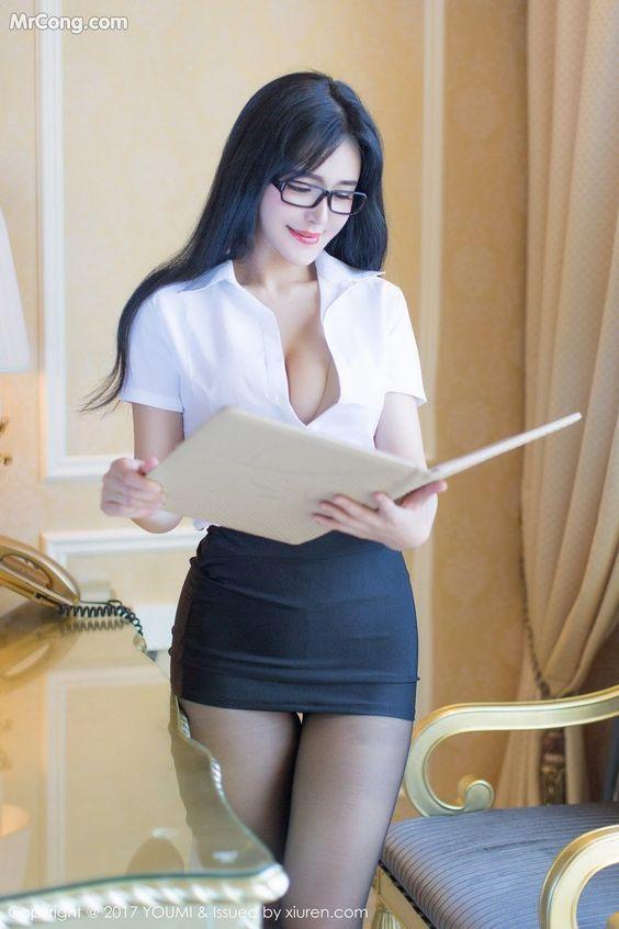 Sexy asian girls hot mini skirts