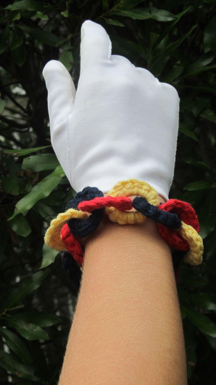crocheted bracelet from an original 1942 pattern