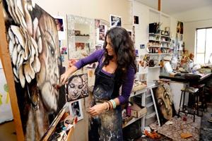 Tania Wursig in studio