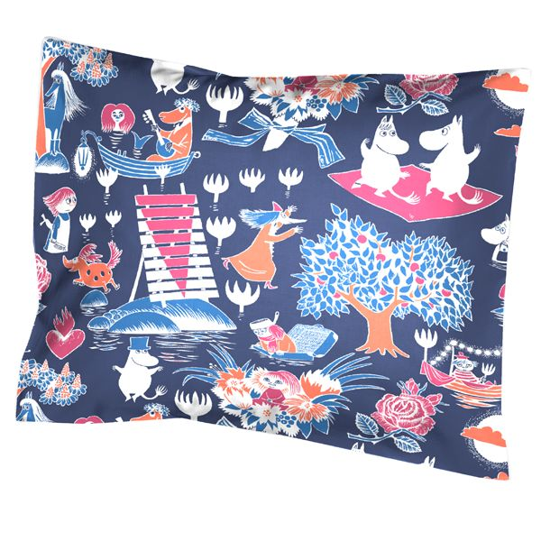 Taikamuumi pillow cover by Finlayson.