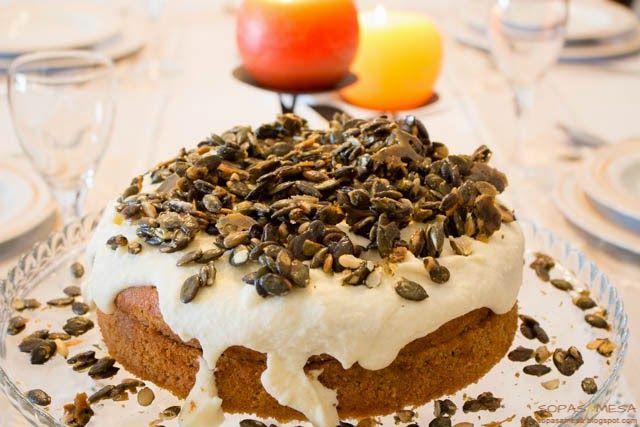 Bolo de Abóbora e Especiarias com Laranja e sementes caramelizadas