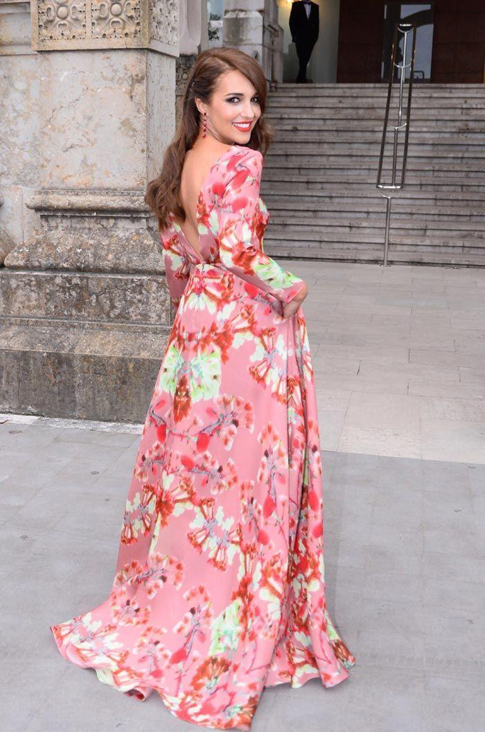 Paula Echevarría, con vestido de Jorge Vázquez en la boda de Marta Hazas