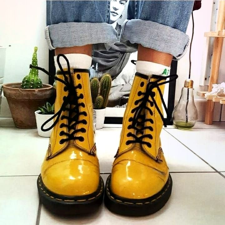 1 oder 2? . . . . #tumblr #grunge #drmartens #yellow #black