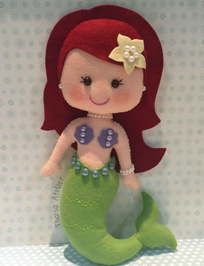 Boneca Ariel de feltro
