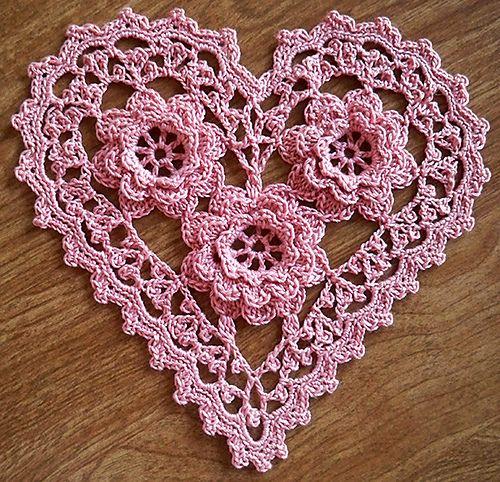 Crochet Rose Heart: free pattern